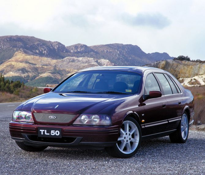 Ford t-series photo - 7