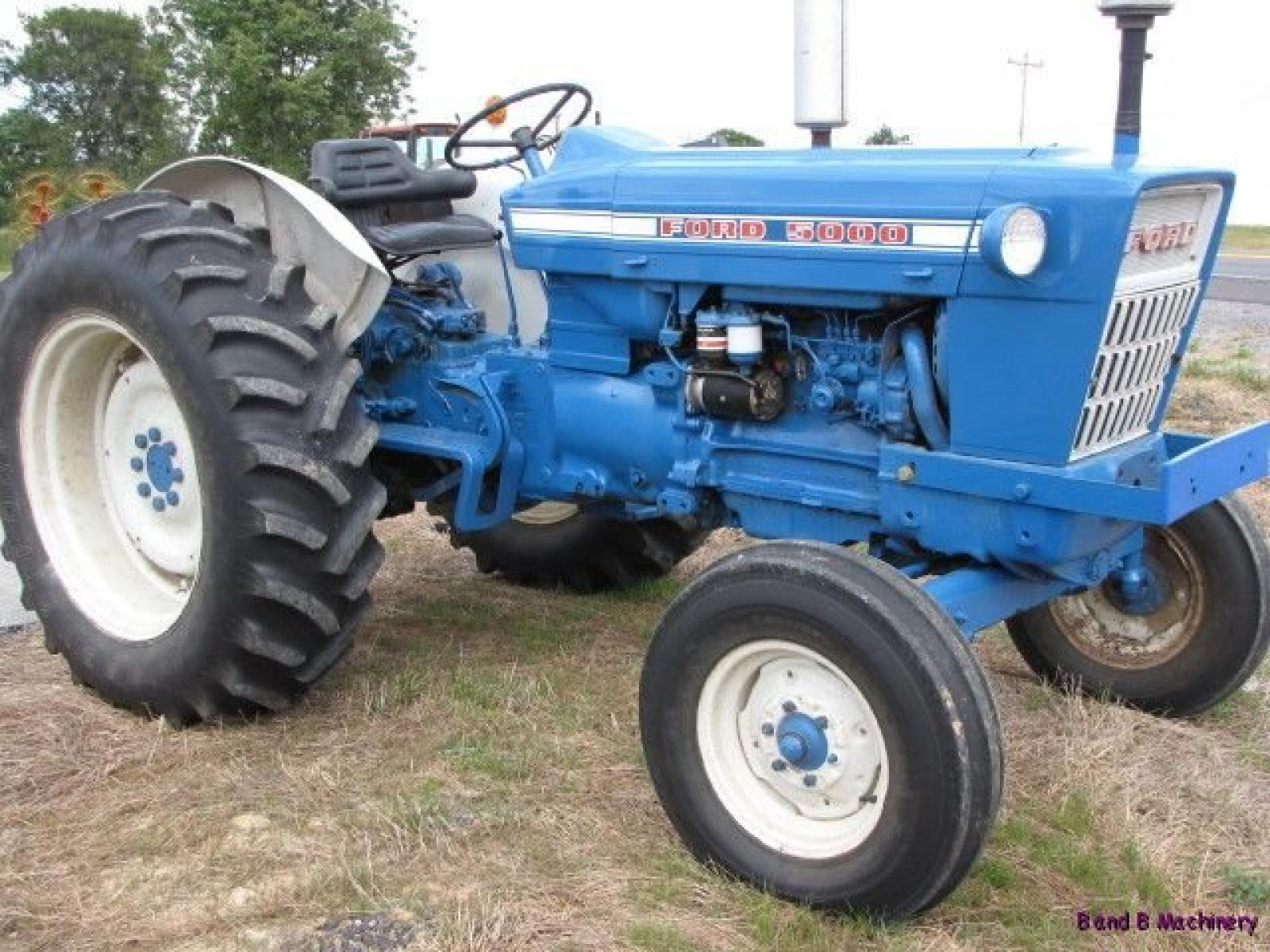 Ford tractor photo - 10