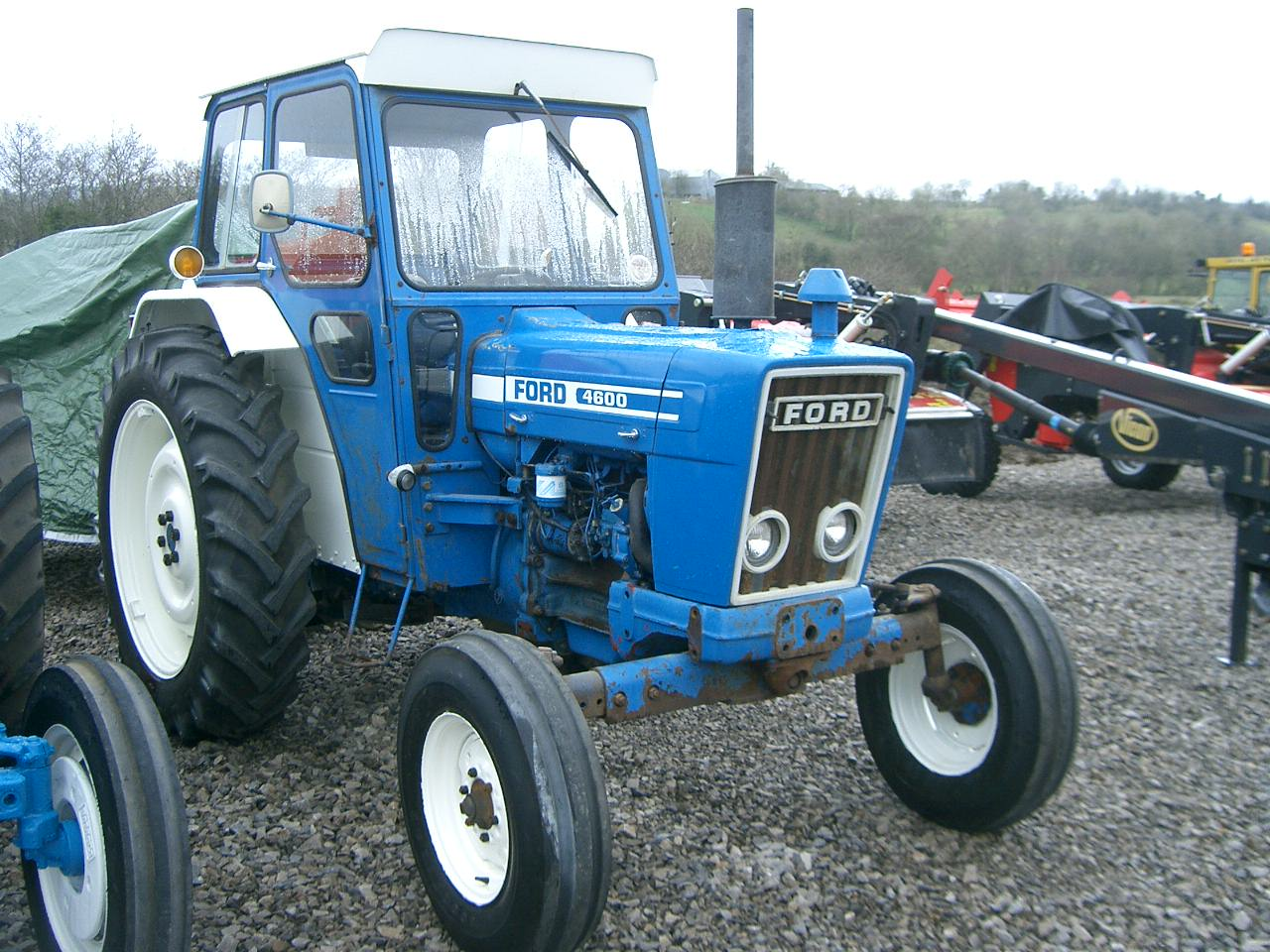 Ford tractor photo - 2
