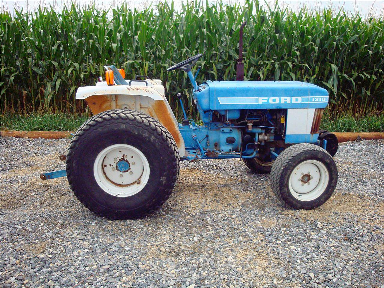 Ford tractor photo - 5