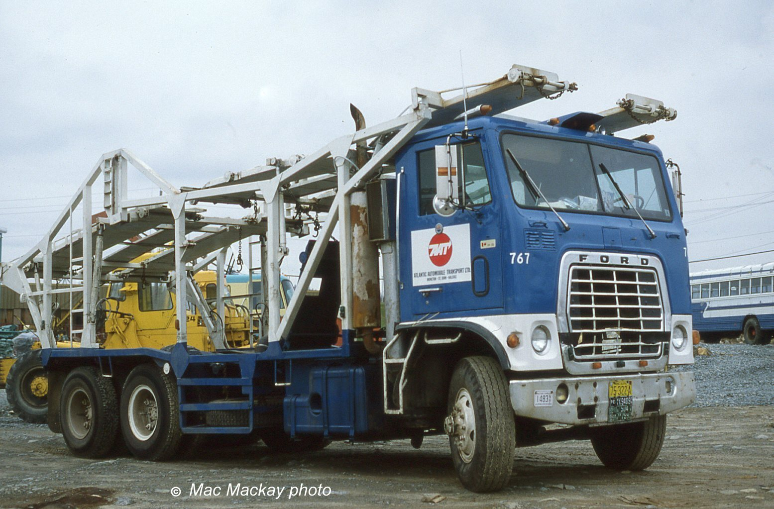 Ford w-series photo - 10