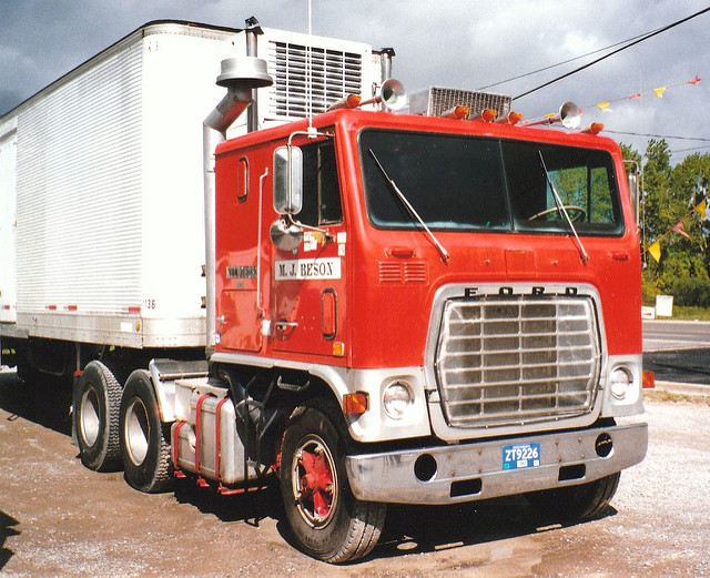 Ford w-series photo - 9