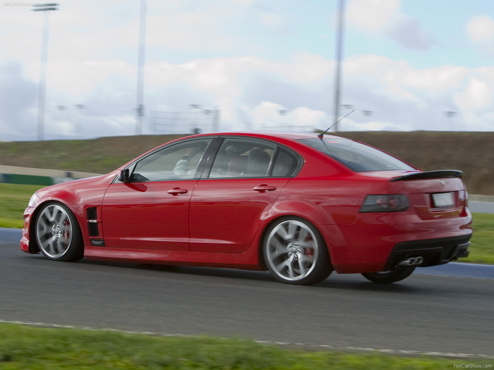 Holden hsv photo - 1
