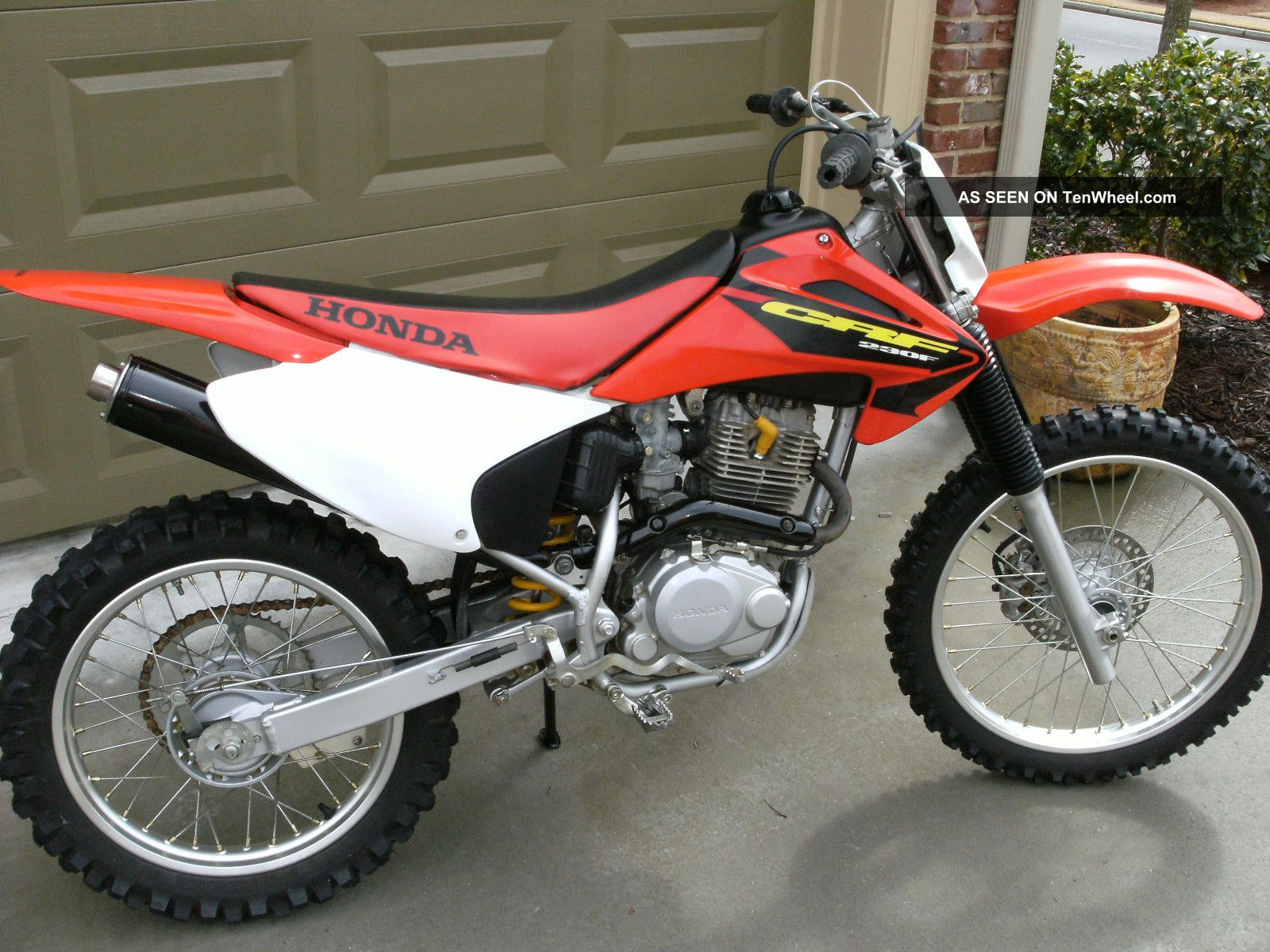 Honda crf230f photo - 3