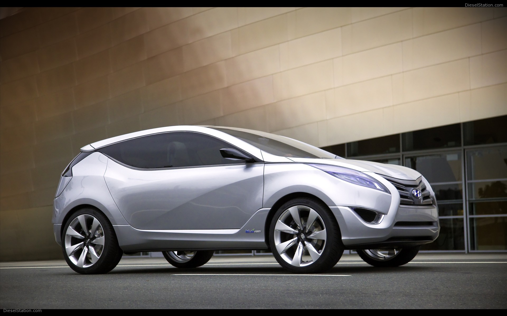 Hyundai nuvis photo - 1