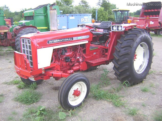 International Harvester 574 Photo
