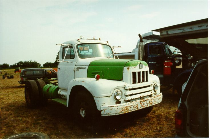 International harvester r-series photo - 10