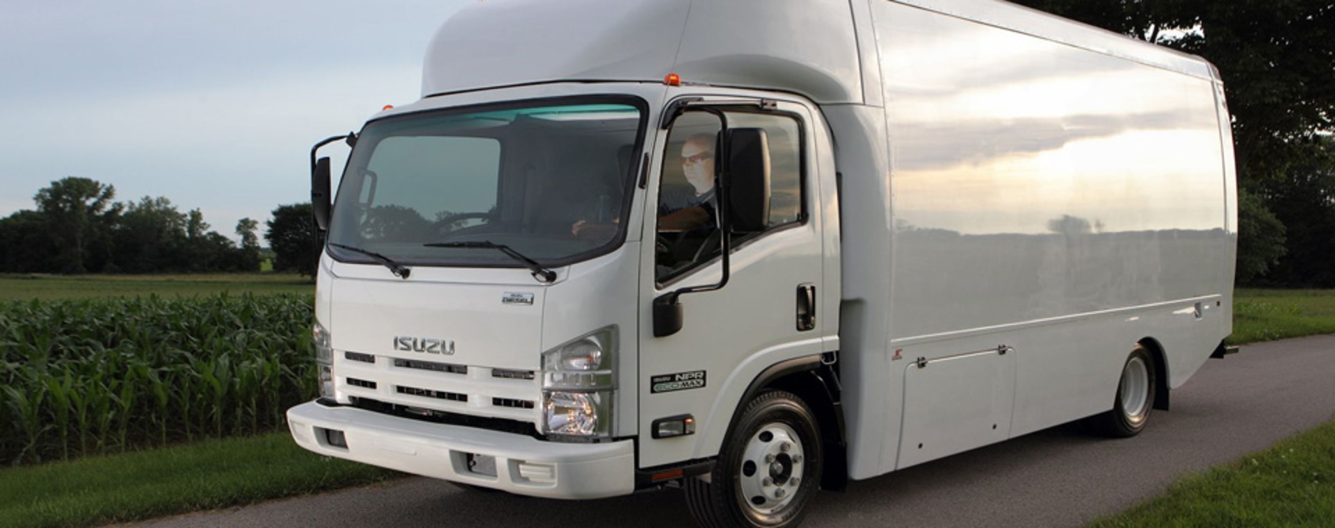 Isuzu n-series photo - 8