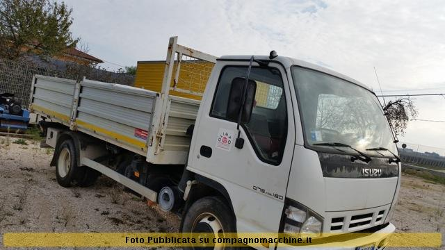 Isuzu q75 photo - 2