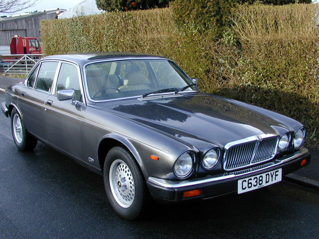 Jaguar 4.2 photo - 9
