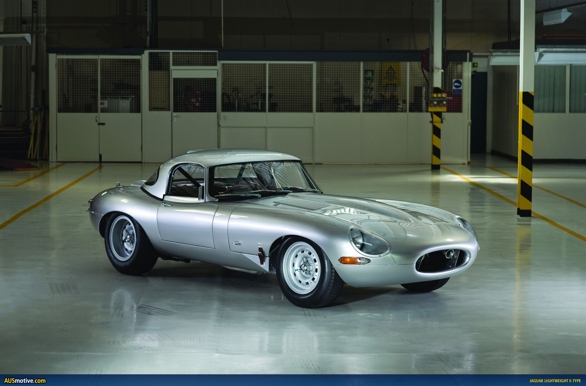Jaguar lightweight photo - 2