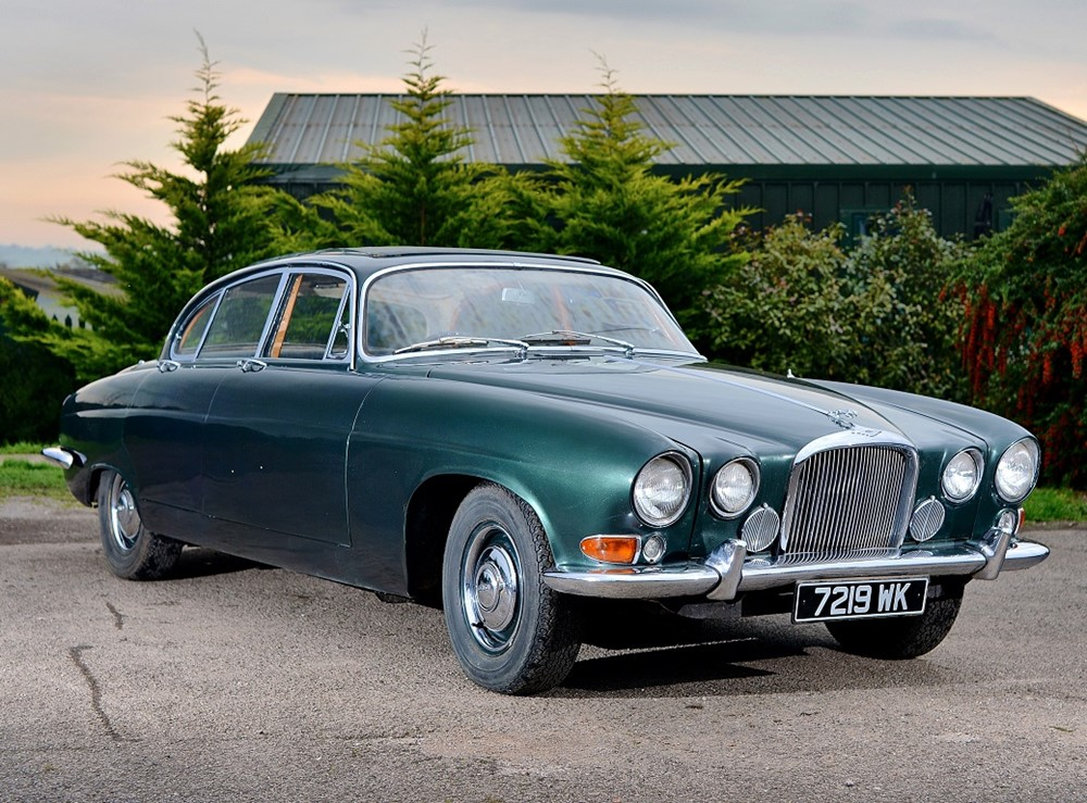 Jaguar mk.x photo - 5