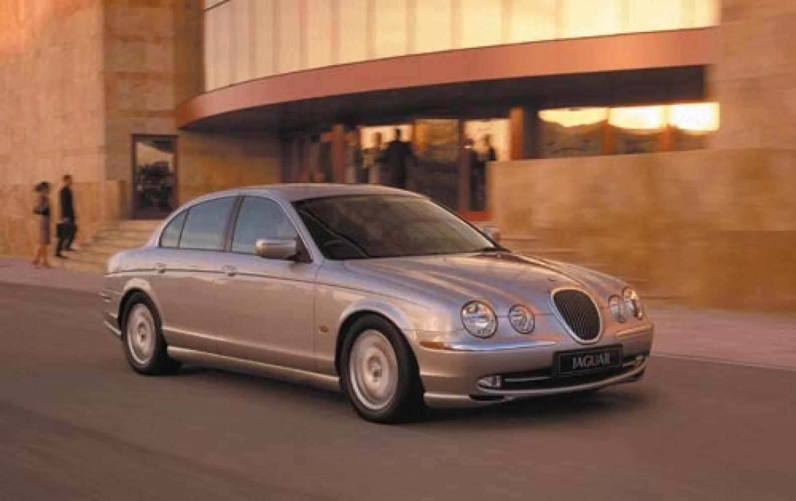 Jaguar s-type photo - 10