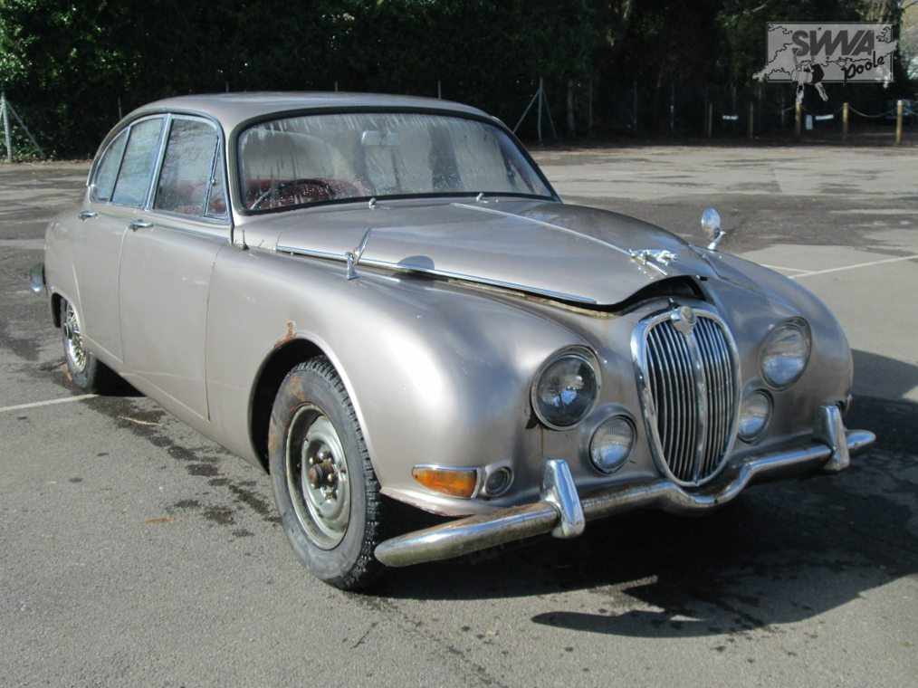 Jaguar s-type photo - 2