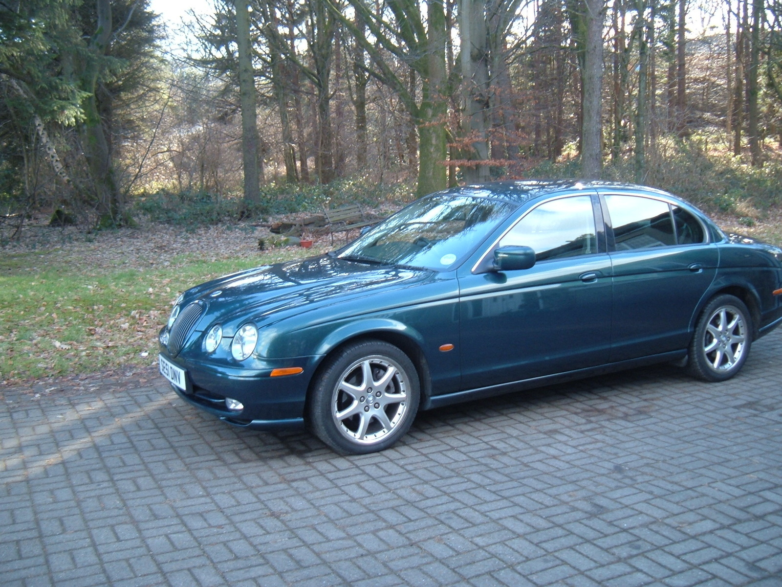 Jaguar s-type photo - 3