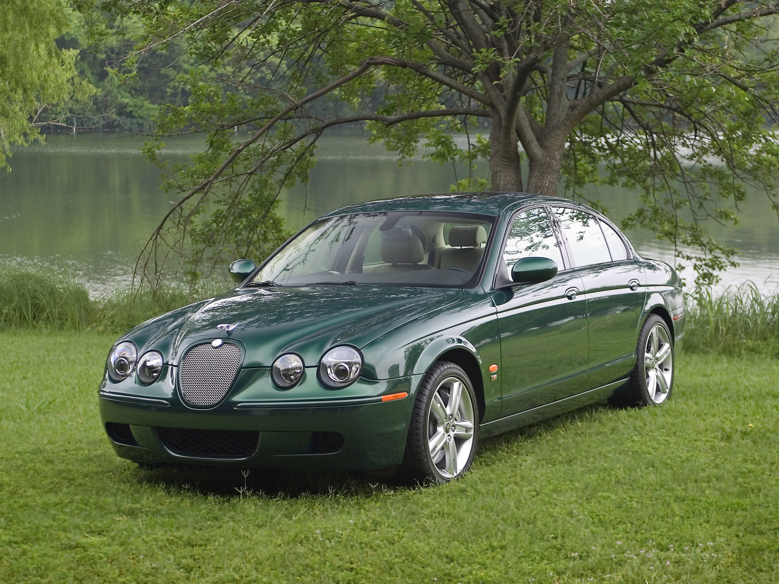 Jaguar s-type photo - 5