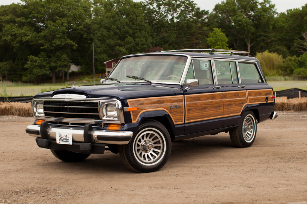 Jeep wagoneer photo - 1
