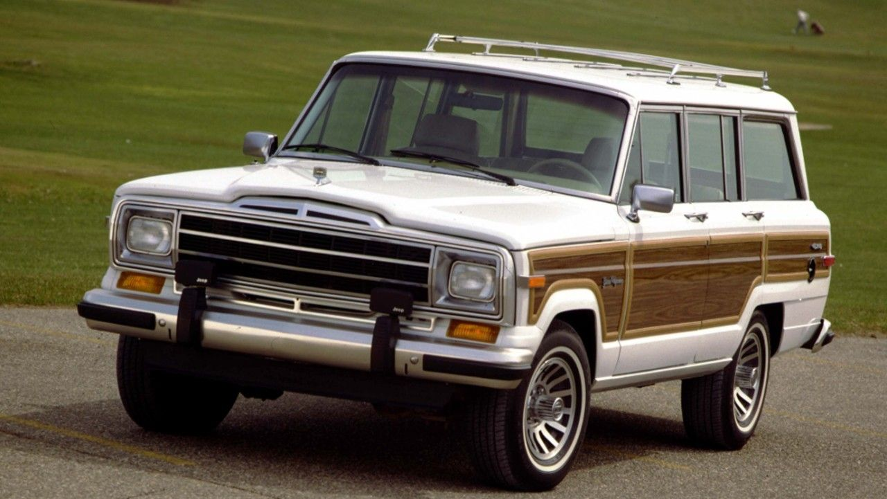 Jeep wagoneer photo - 4