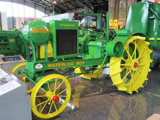 John deere waterloo photo - 8