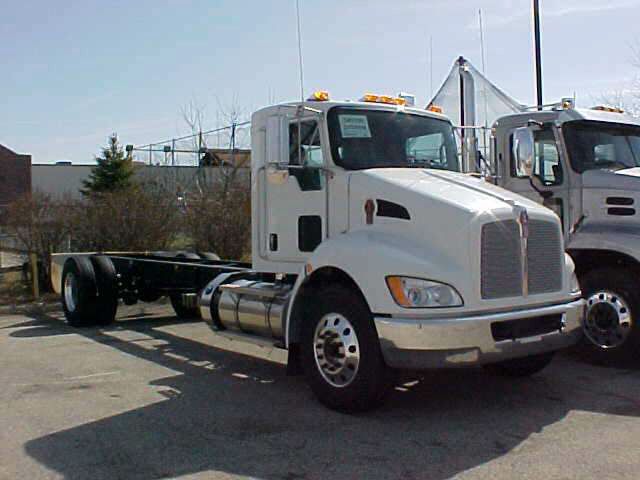 Kenworth t-300 photo - 10