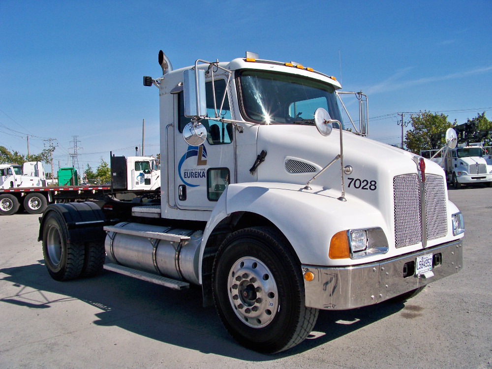 Kenworth t-300 photo - 9