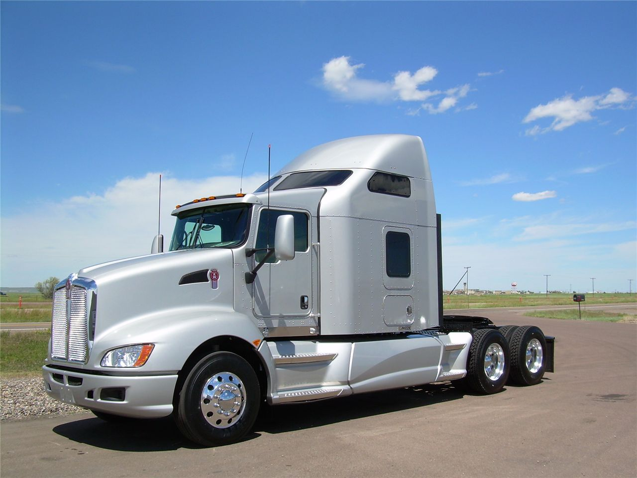 Kenworth t-660 photo - 2