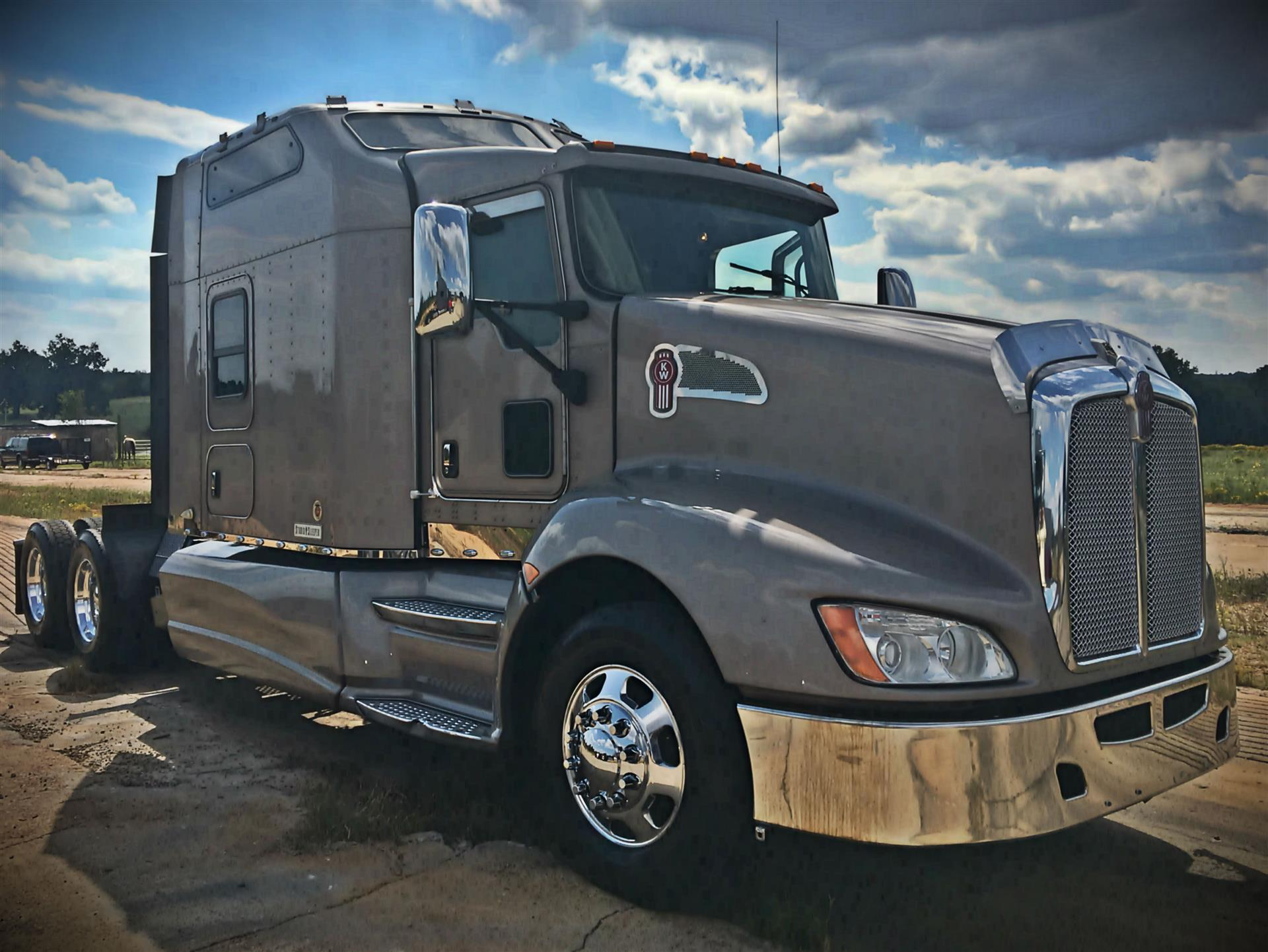 Kenworth t-660 photo - 7