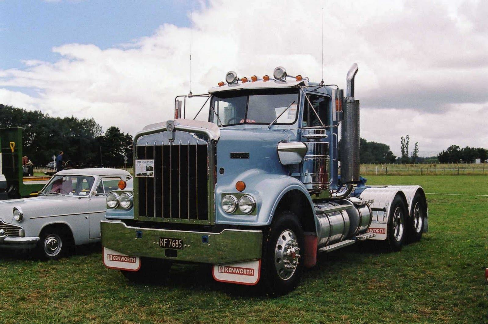 Kenworth w-924 photo - 2