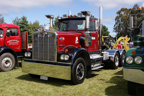 Kenworth w-924 photo - 8