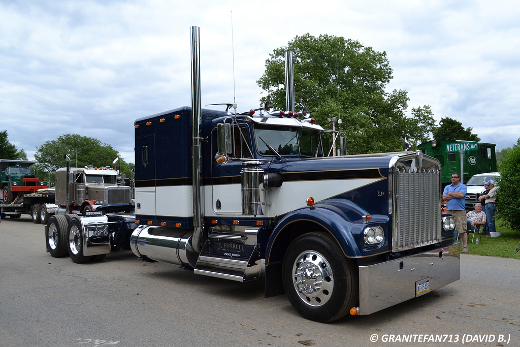 Kenworth w900a photo - 1