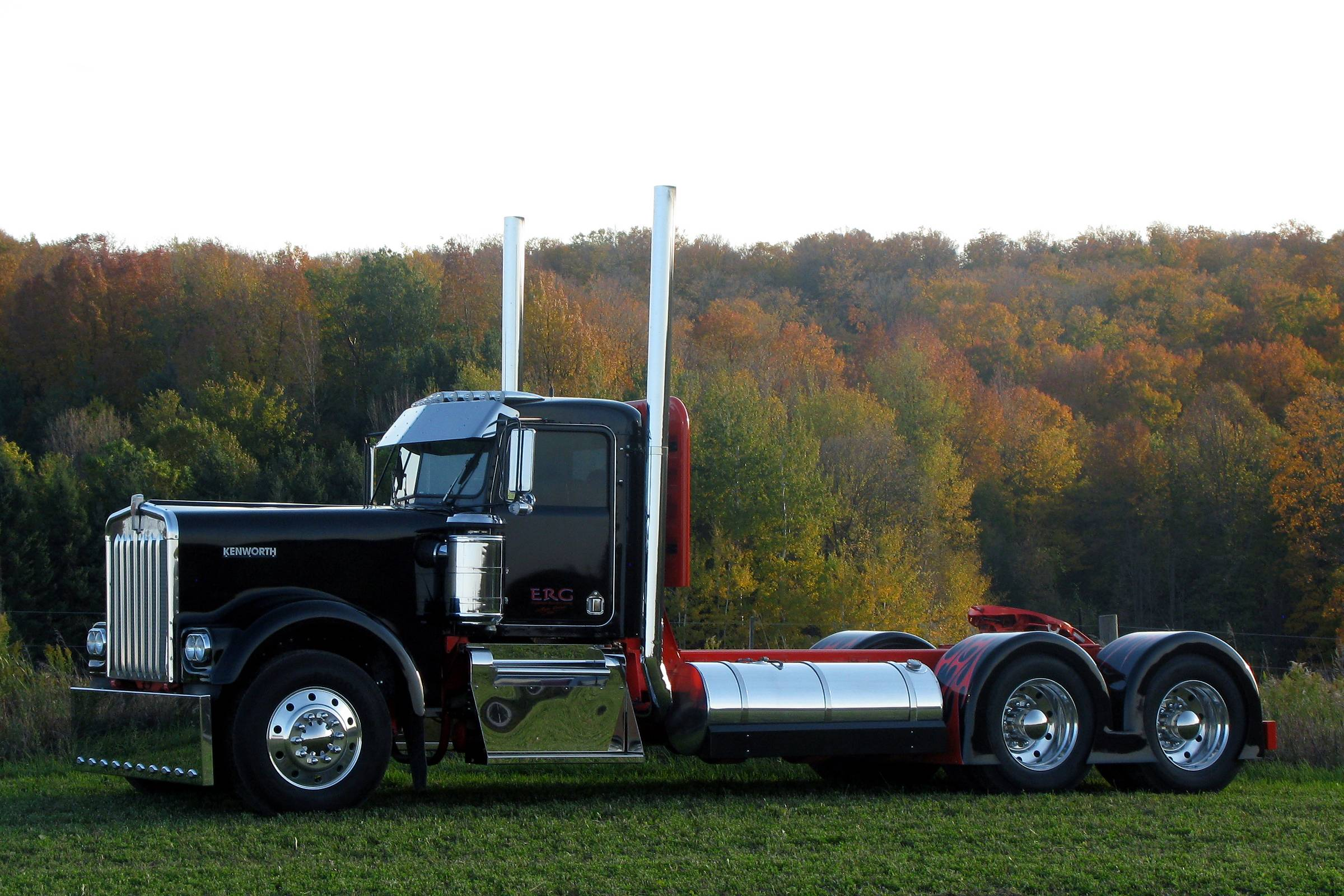 Kenworth w900a photo - 5