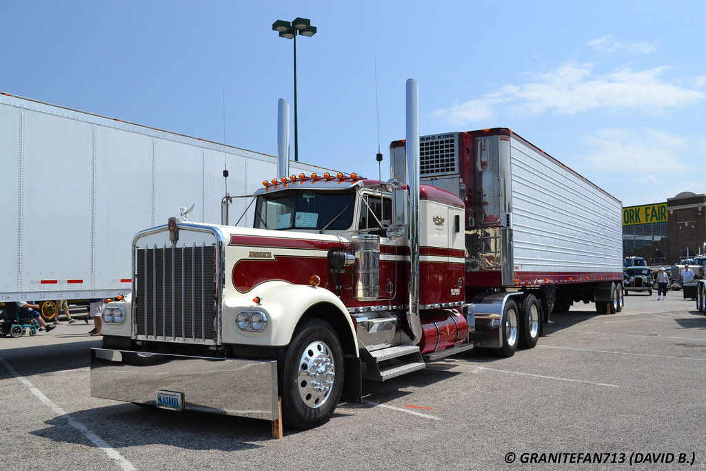 Kenworth w900a photo - 6