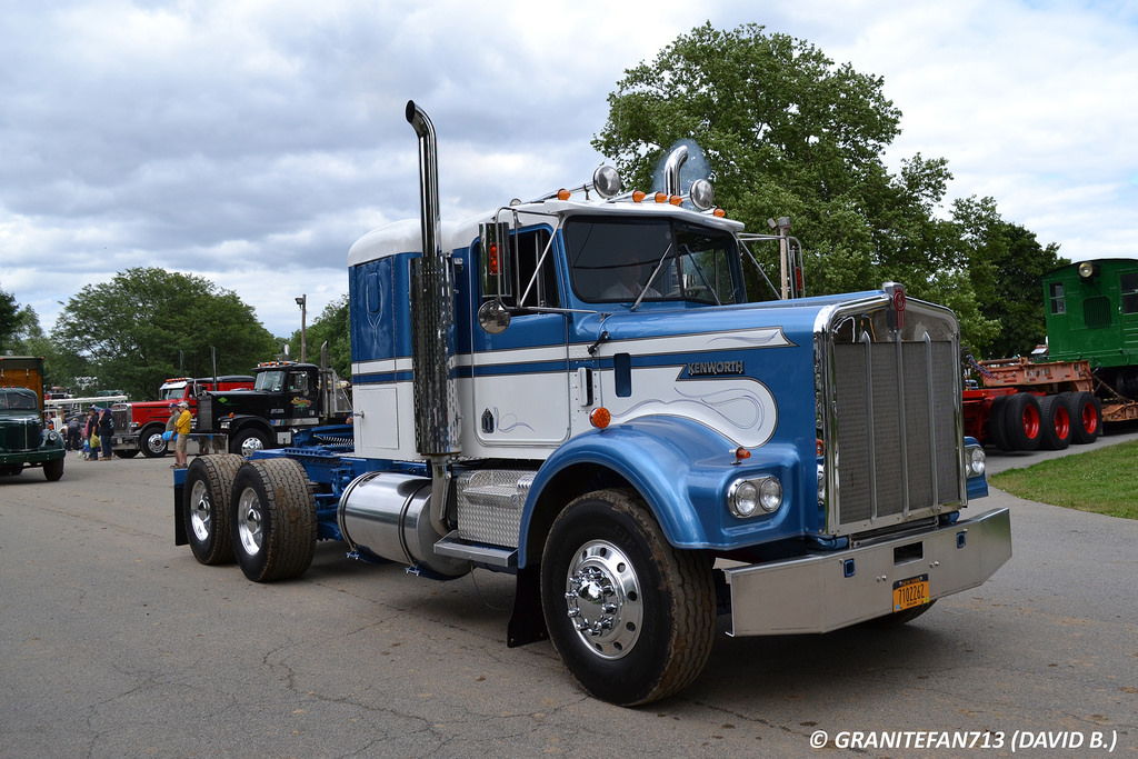 Kenworth w900a photo - 7