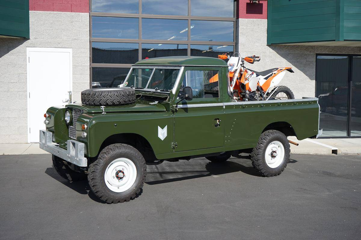 Land-rover 109 photo - 3