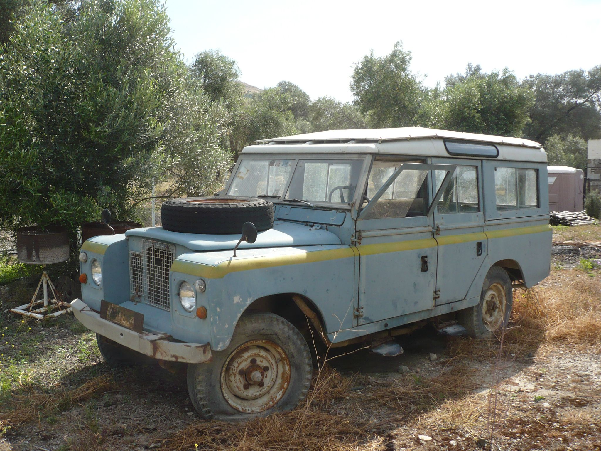Land-rover 109 photo - 9