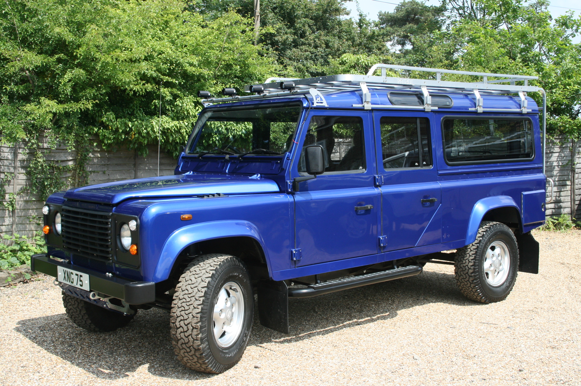 Land-rover 130 photo - 10