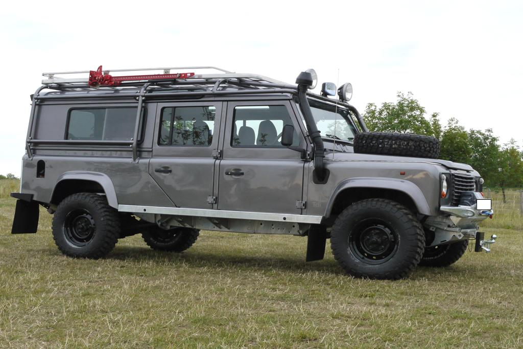 Land-rover 130 photo - 2