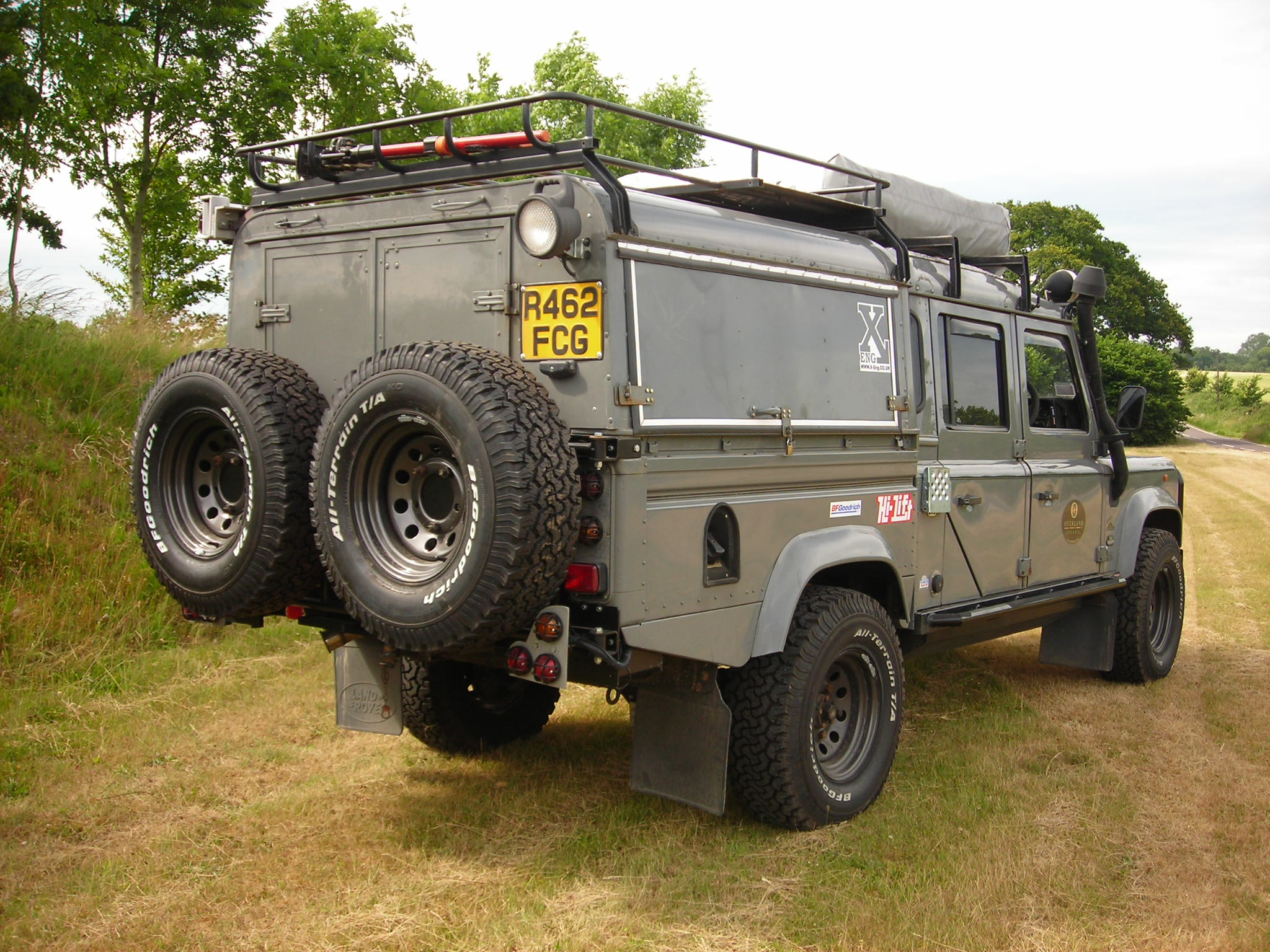 Land-rover 130 photo - 3