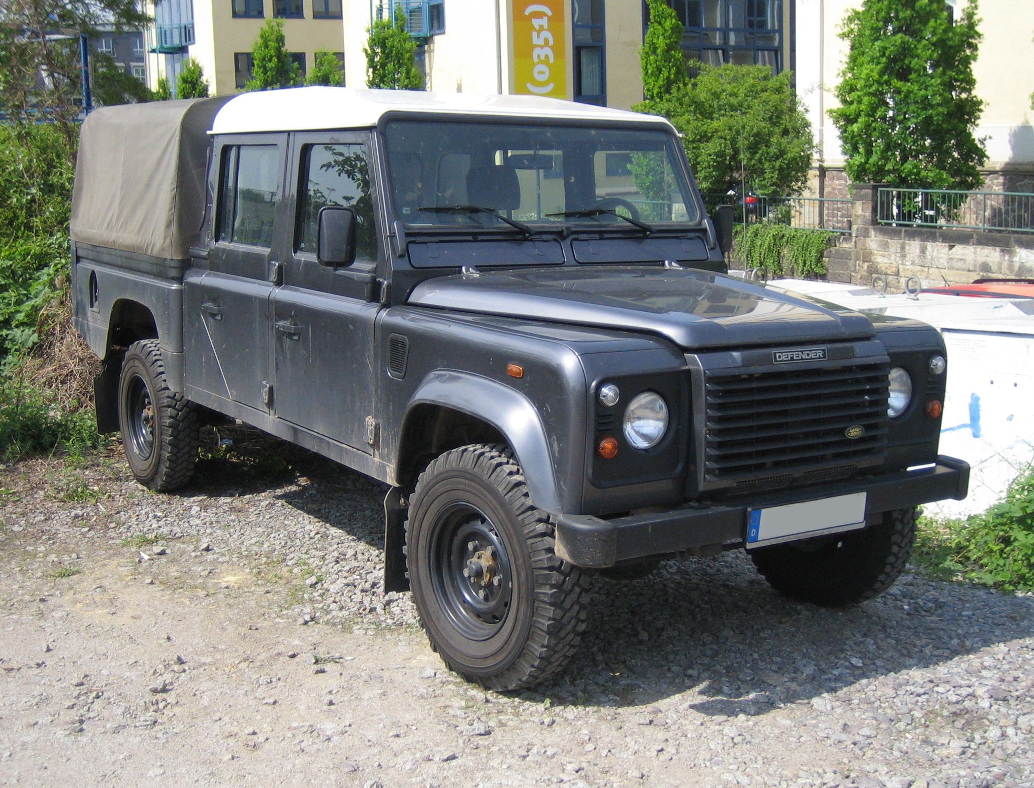 Land-rover 130 photo - 7