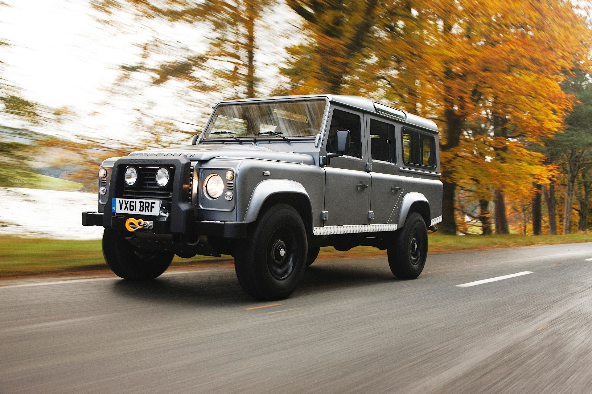 Land rover defender photo - 1