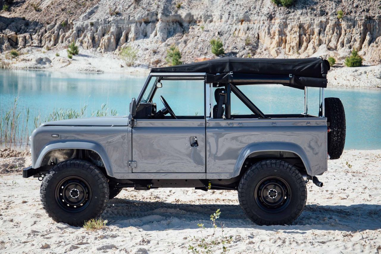 Land-rover defender photo - 10