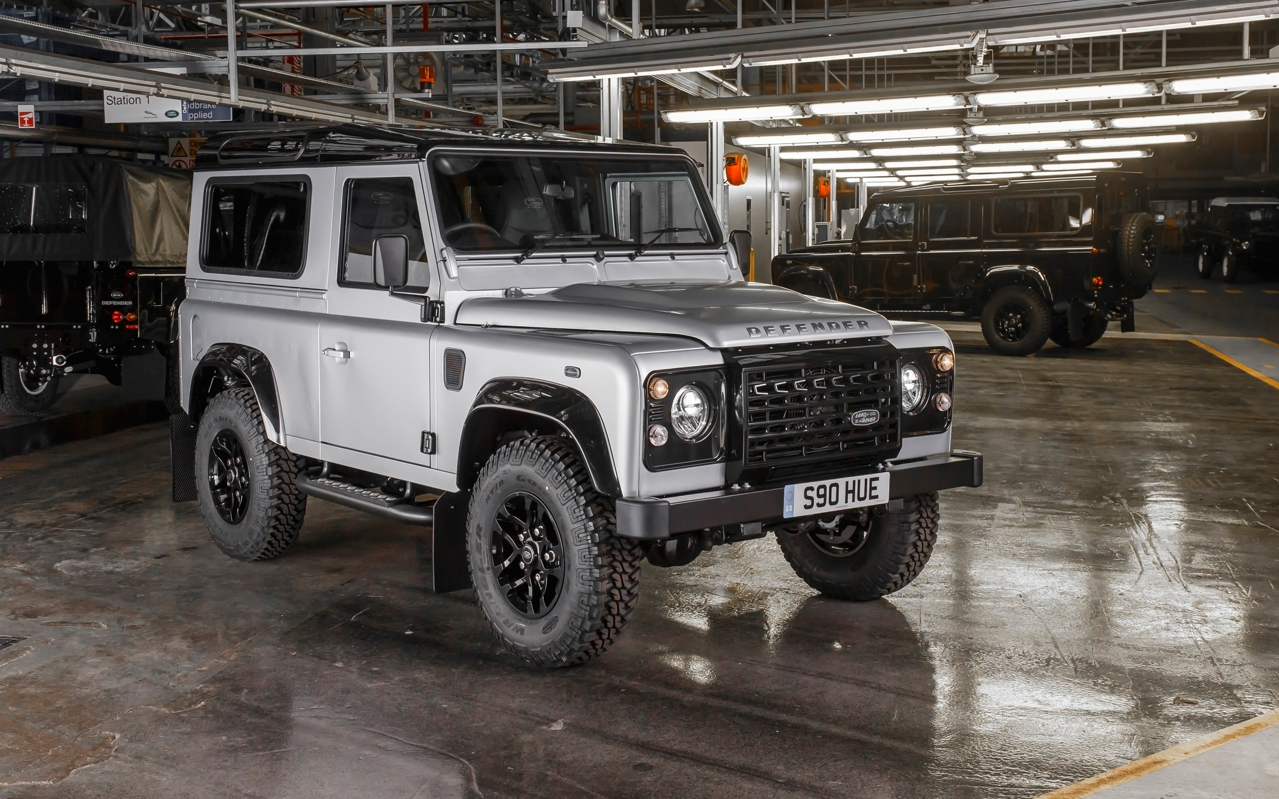 Land-rover defender photo - 6