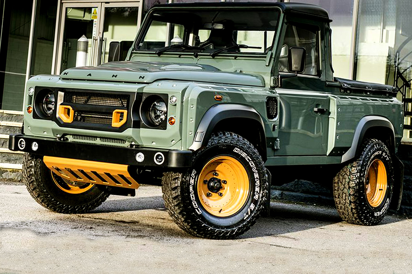 Land rover defender photo - 8