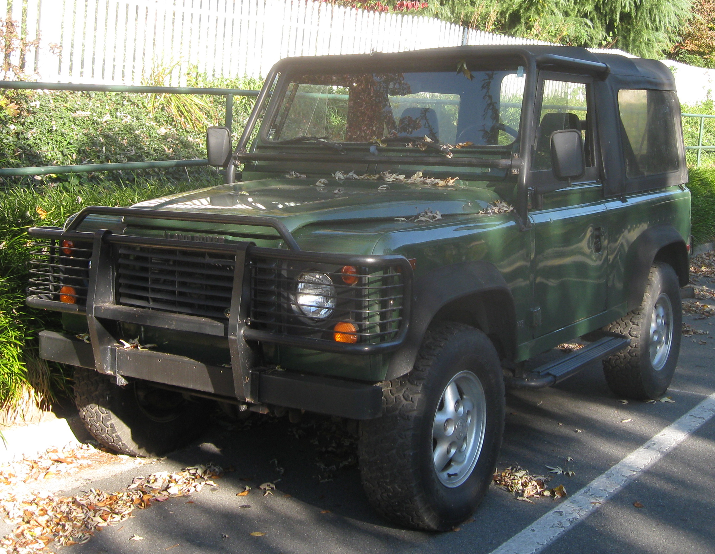 Land rover defender photo - 9