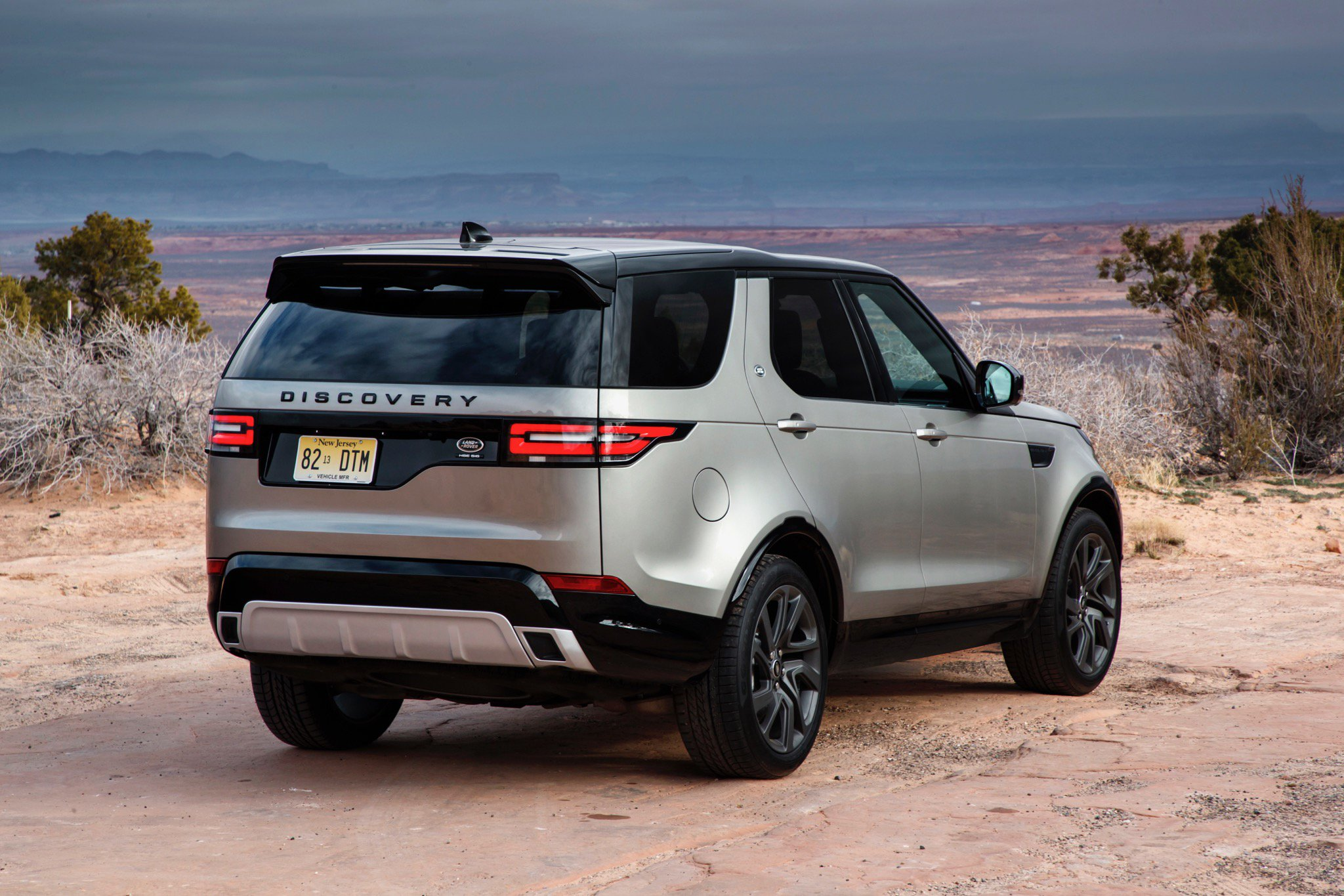 Land rover discovery photo - 1