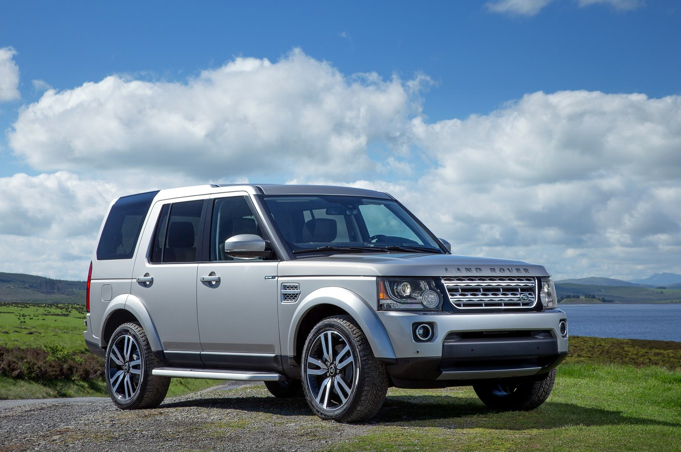 Land-rover lr4 photo - 1