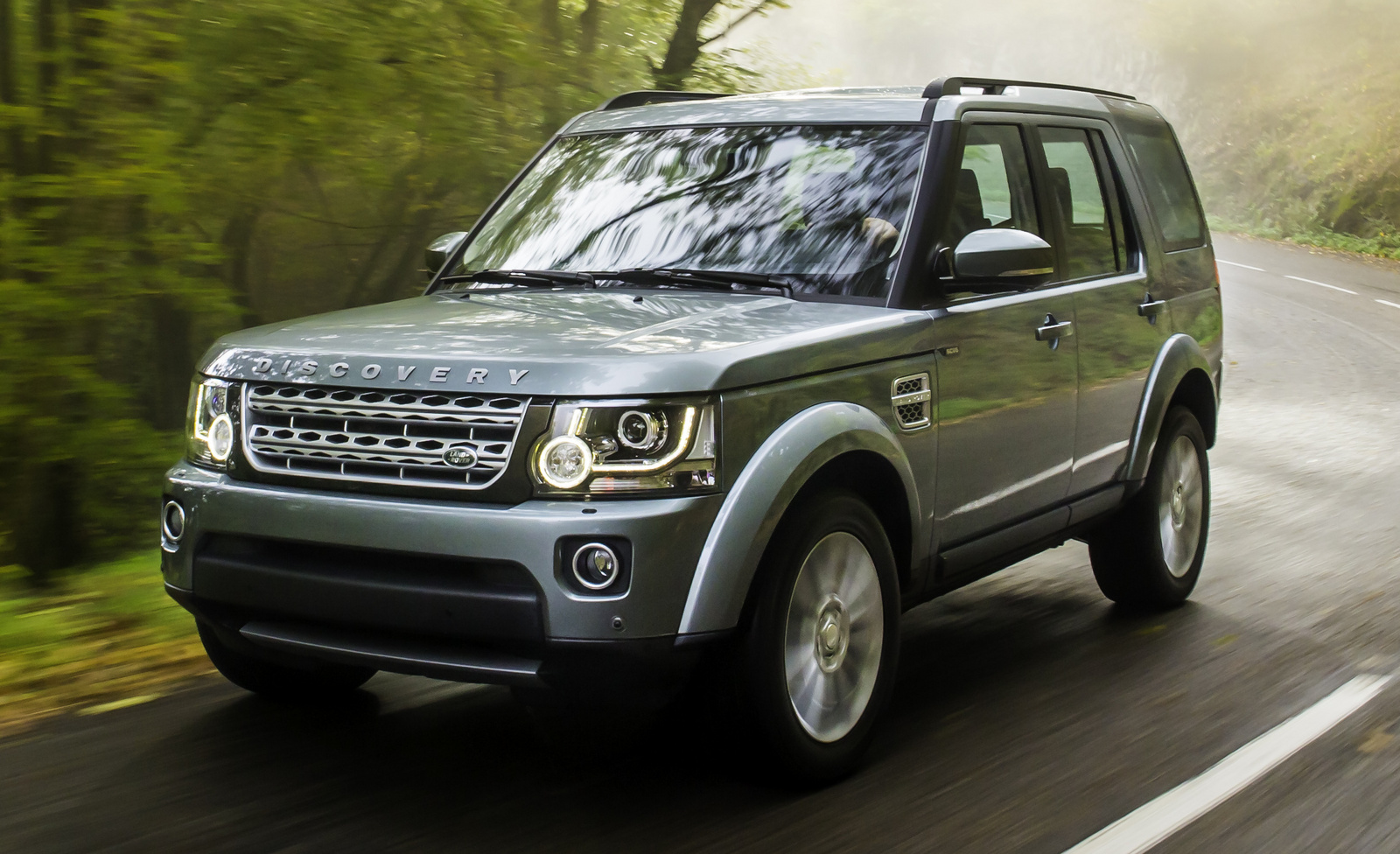 Land-rover lr4 photo - 4