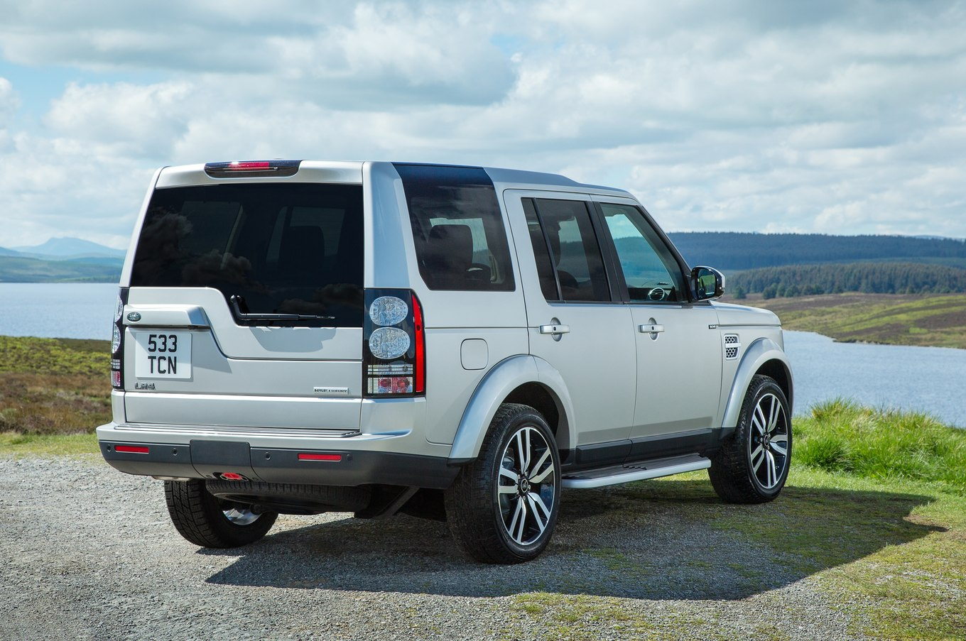 Land-rover lr4 photo - 9