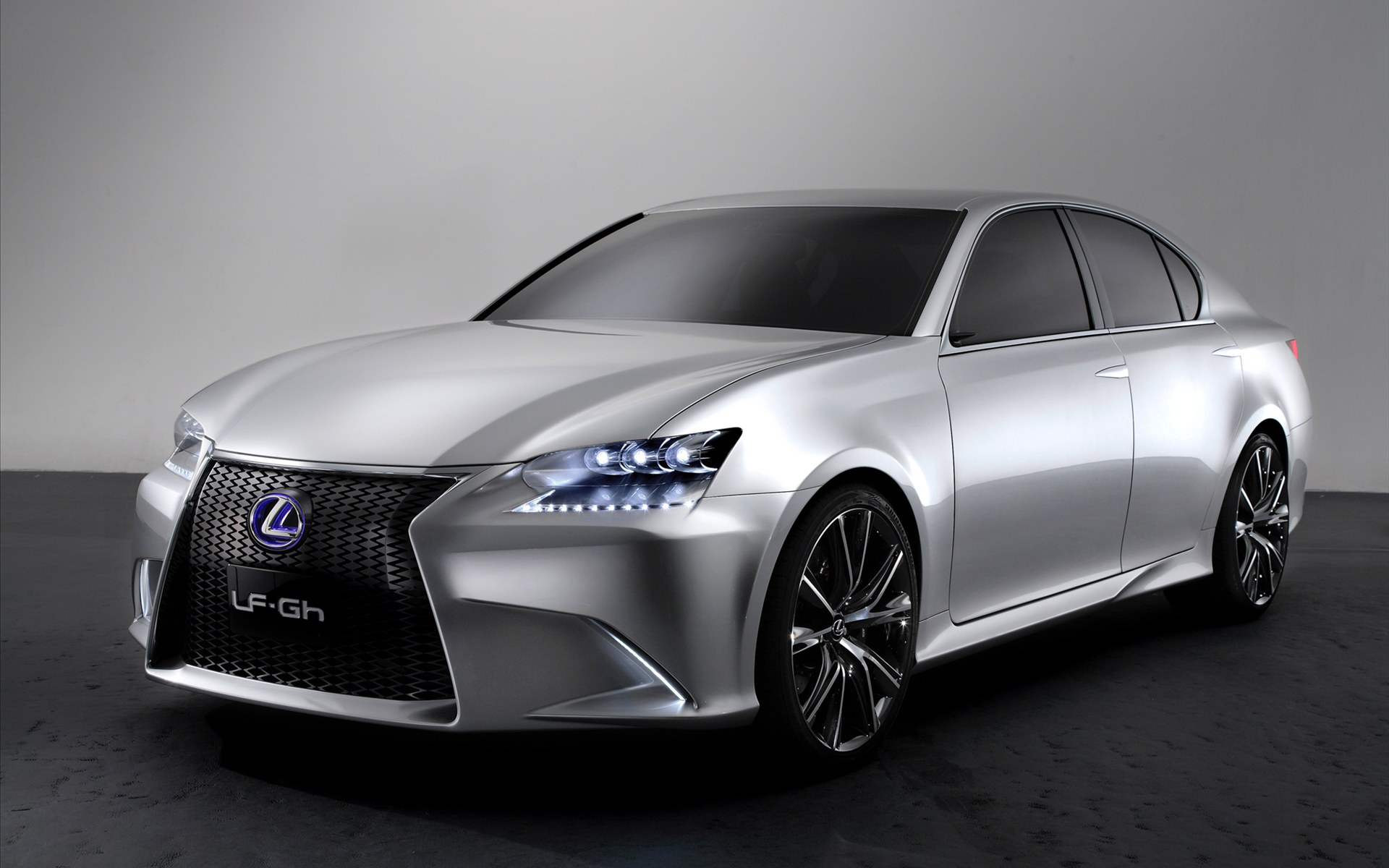 Lexus hybrid photo - 10