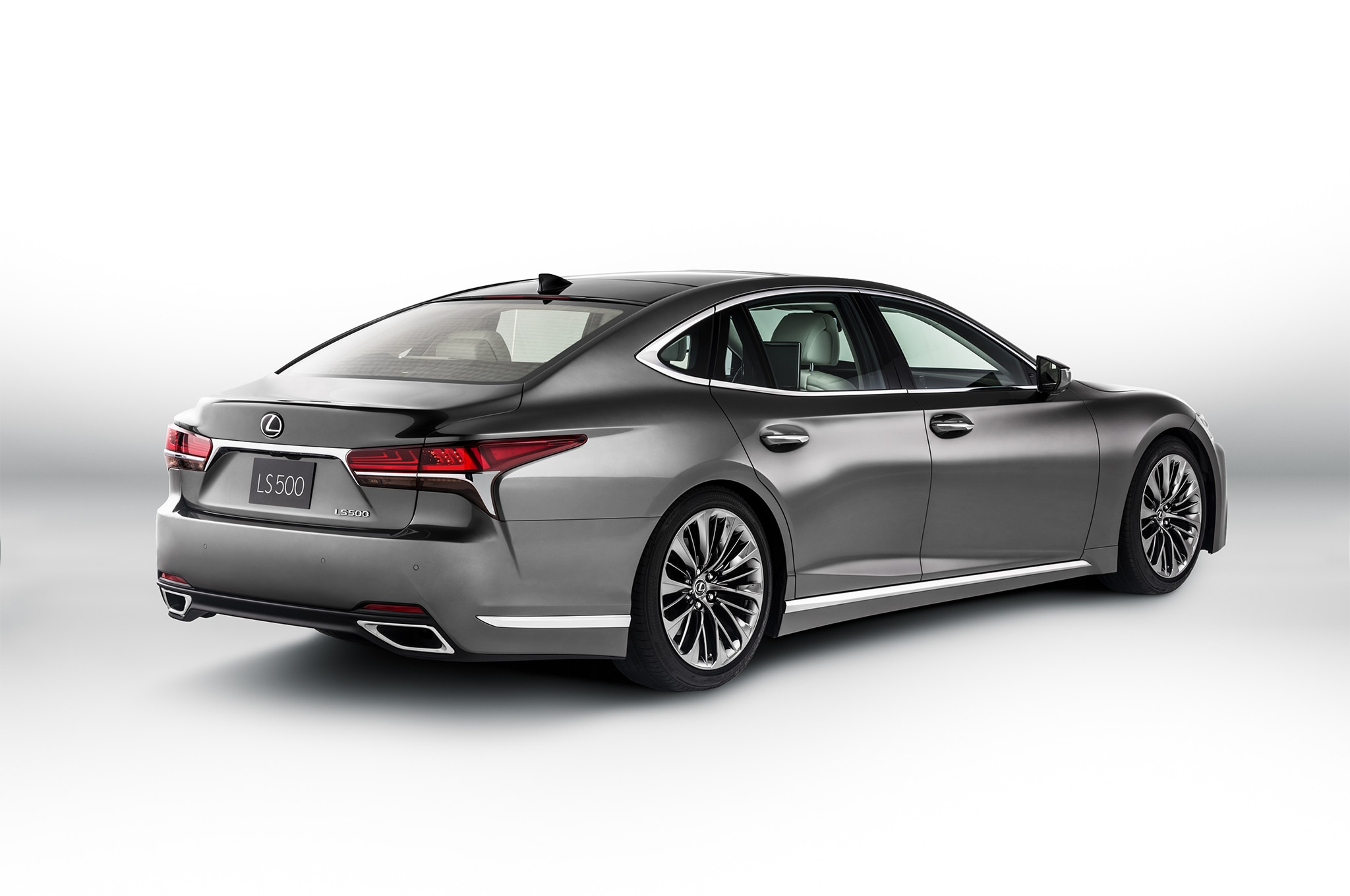 Lexus ls photo - 4
